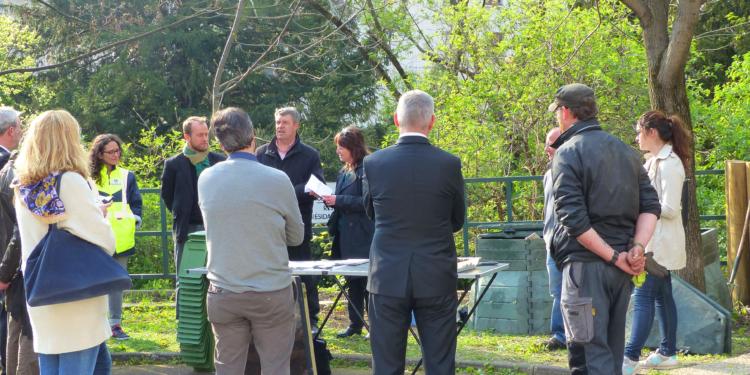 Le VALTOM et l'Ophis célèbrent le compostage sur la résidence du Pont Naturel à Clermont-Ferrand